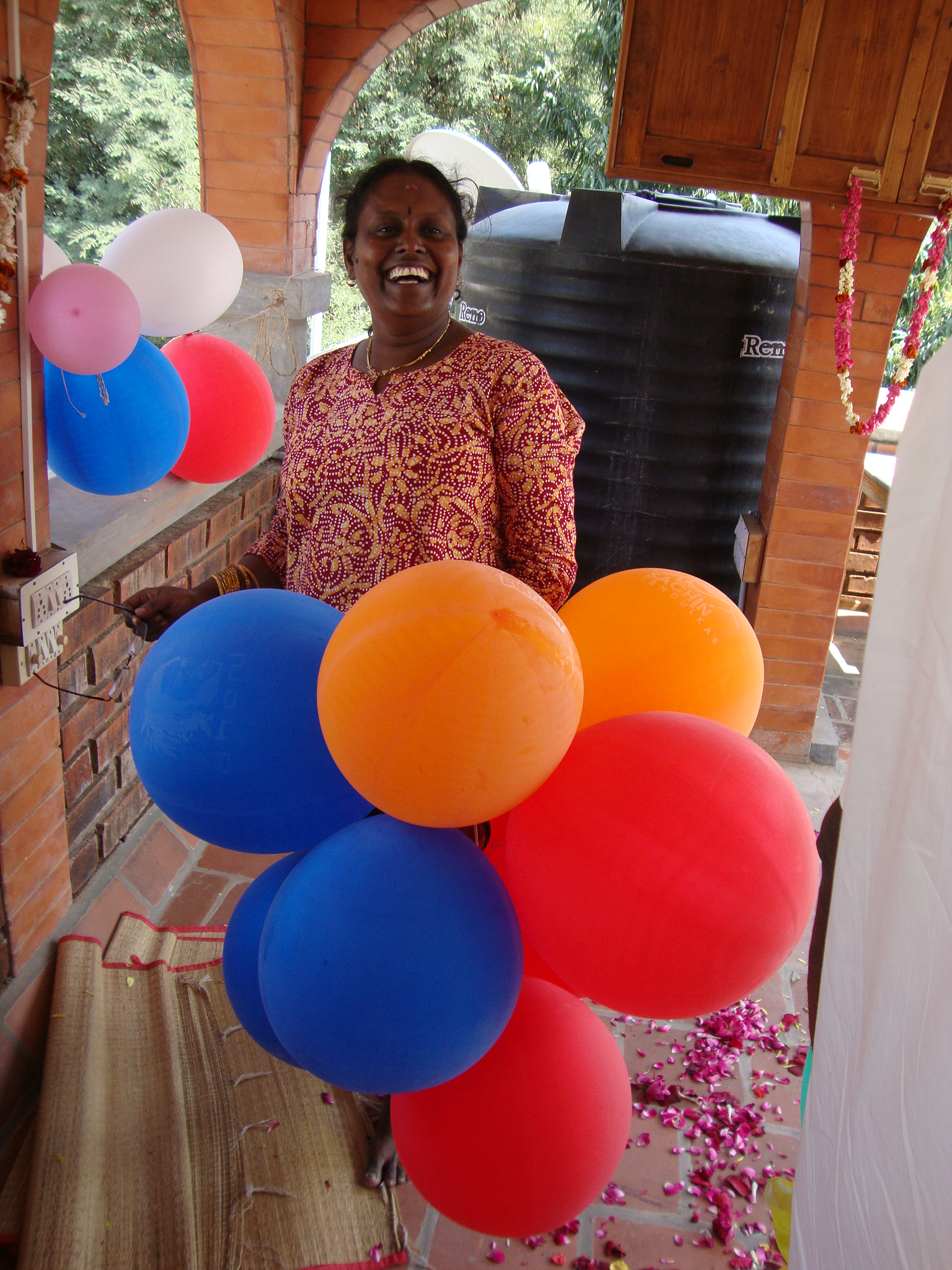 balloon laughter with Malar